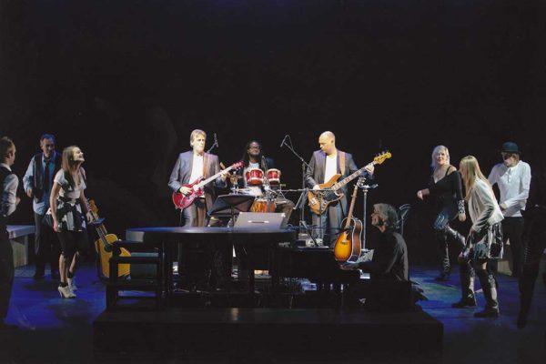 2010---HT&E---band-&-cast